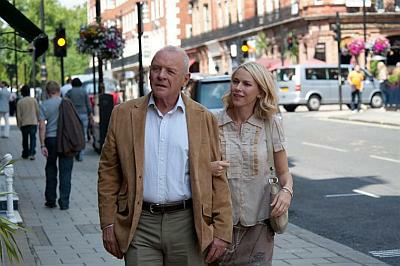 Sir Anthony Hopkins és Naomi Watts