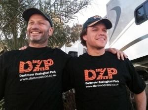 Benjamin Mee és a könyvből készült filmen őt alakító Matt Damon