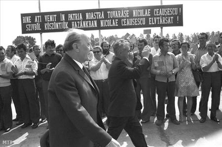 A »történelmi találkozó« protokollképe (MTI)