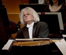 Ronald Brautigam Beethoven 4. (G-dúr) zongoraversenyét játssza