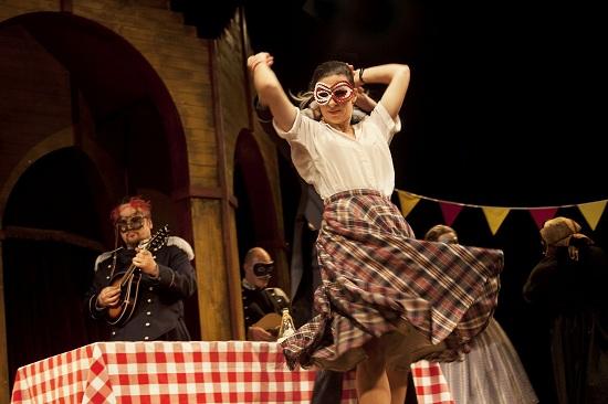 Sok hűhó semmiért – a Globe Színház előadása (HM)
