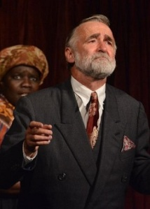 Leonato (Robert Pickavance)