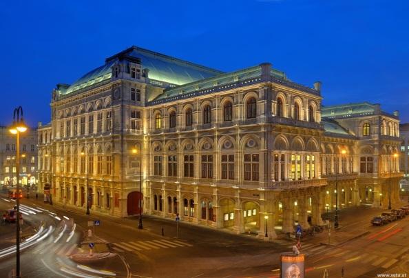 Operaház (Staatsoper - Kattints a képre!)