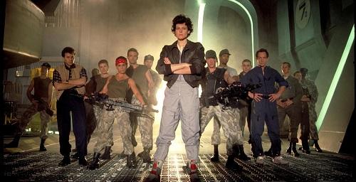 Ripley (Sigourney Weaver) és a csapat