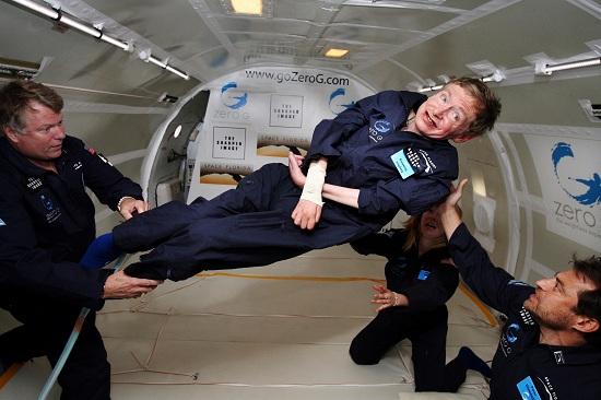 Hawking a súlytalanság állapotában, a NASA vendégeként