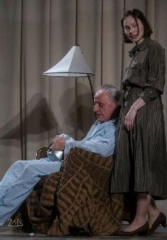 André (Lukáts Andor) és Anne (Hámori Gabriella) egymás elviselhetőségének határán