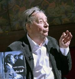 Makk Károly a Szeretni kell könyvbemutatóján