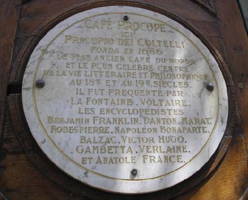 Emléktábla a Café Procope falán