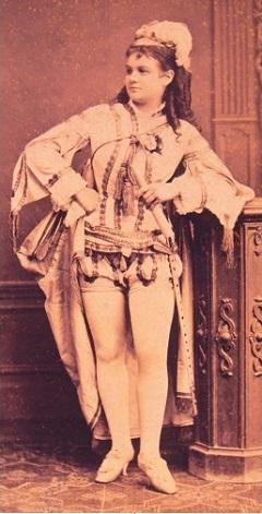 Pálmay Ilka Suppé Boccaccio című operettjének címszerepében