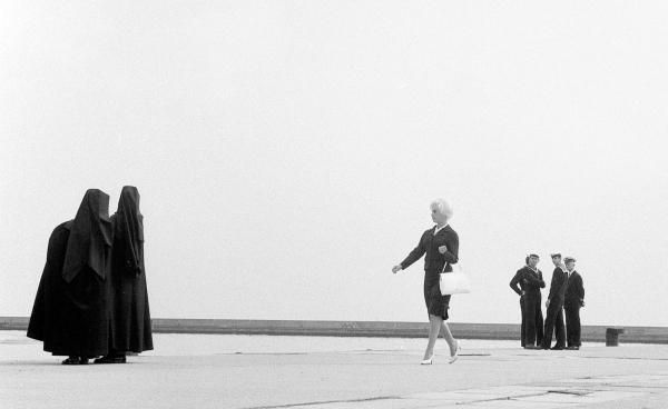 Korniss Péter A tengerparton, 1963 © Korniss Péter